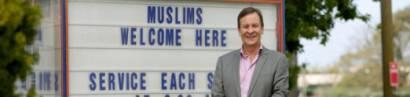 Kirchen-Schild:«Muslime sind hier willkommen»