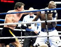 Rocky teilt aus.