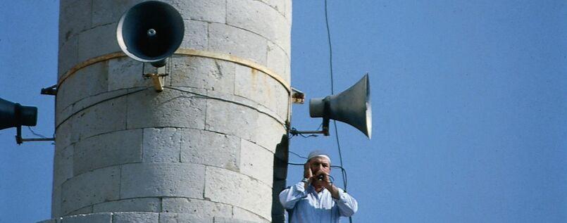 Der Muezzin-Ruf ist mehr als ein Aufruf zum Gebet. In ihm drückt sich der universale Herrschaftsanspruch des Islam aus.