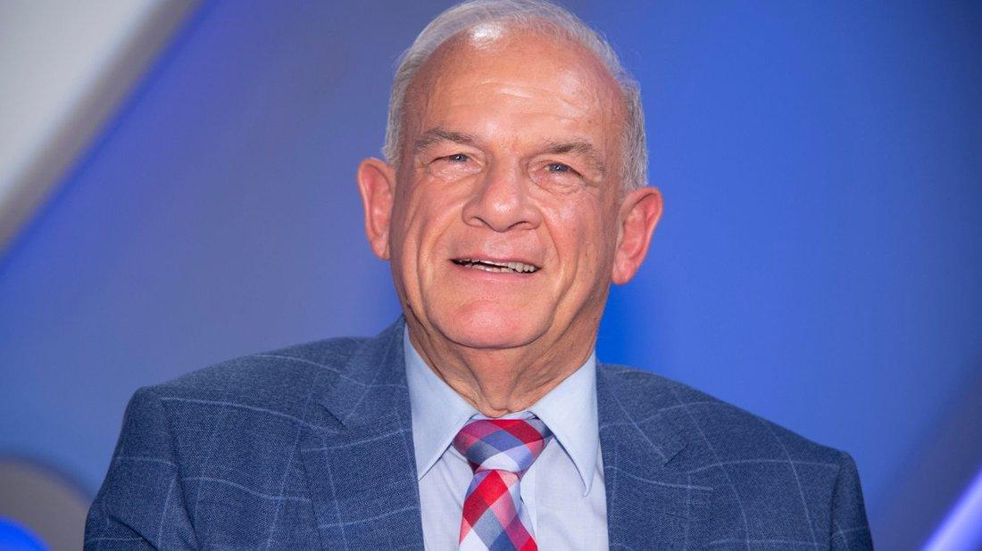 Peter Hahne kritisiert die deutschen Christen im Corona-Zeitalter.